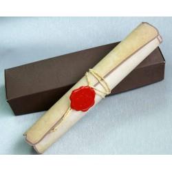 Invitación tipo caja con pergamino