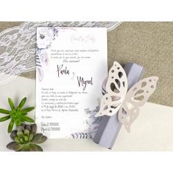 Invitación tipo caja hexagonal con mariposa