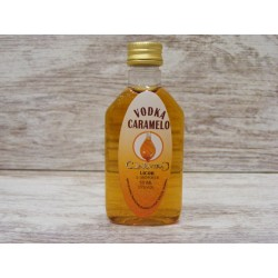 Licor Vodka Caramelo en botella petaca 50ml.