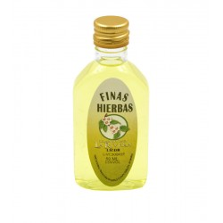 Licor Finas hierbas en botella petaca 50ml.