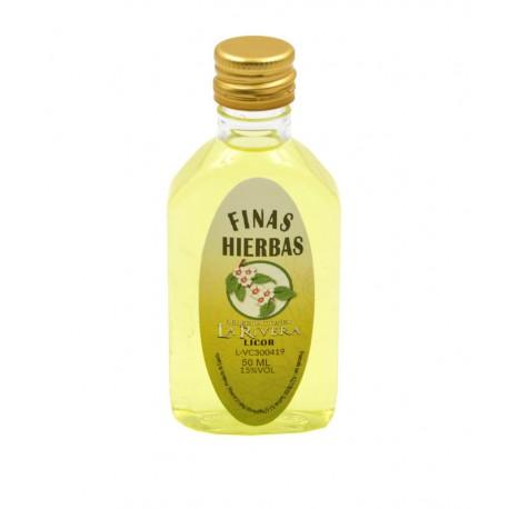 Licor Finas hierbas en botella petaca 50ml.