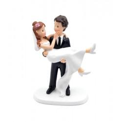 Figura novia en brazos